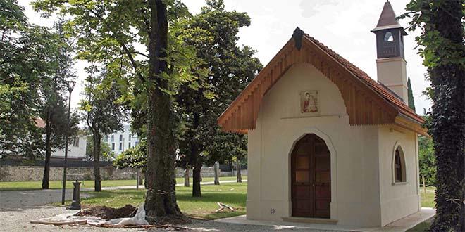 La chiesetta del parco di Villa Fabris, a Thiene, che è stata recuperata