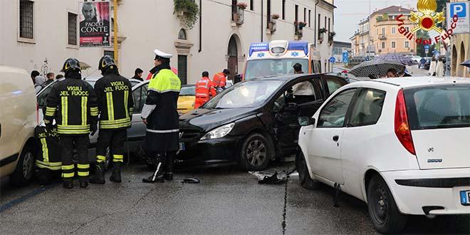Vicenza, incidenti e traffico in tilt per il maltempo