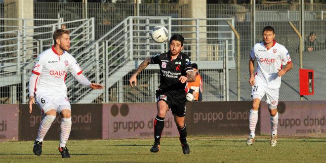 Calcio serie B, è 0-0 tra Carpi e Vicenza