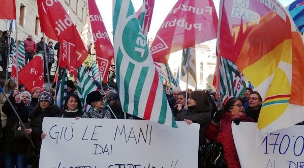 Manifestazione a Vicenza, davanti a Palazzo Trissino