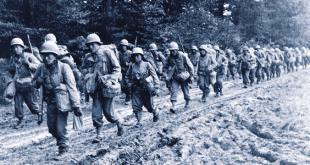 Seconda Guerra Mondiale, soldati in marcia