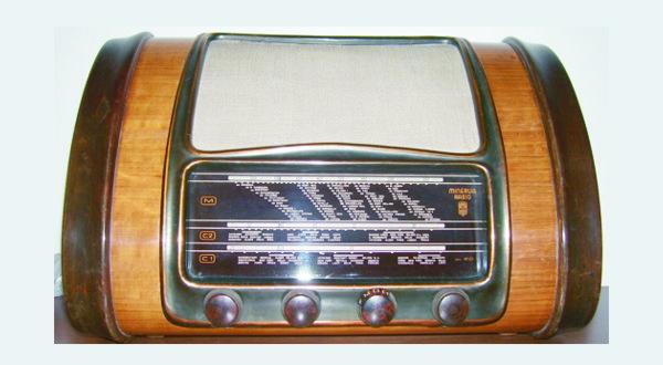 Un apparecchio radionico dei tardi anni quaranta - Foto: Elborgo (Creative Commons)