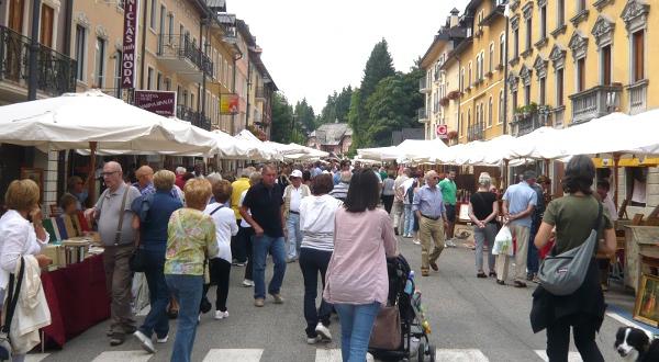Asiago domenica 18 maggio torna il mercato dell 39 antiquariato for Mercato domenica milano