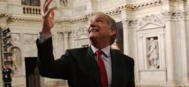 L'ambasciatore degli Stati Uniti John Phillips durante la sua visita al Teatro Olimpico di Vicenza