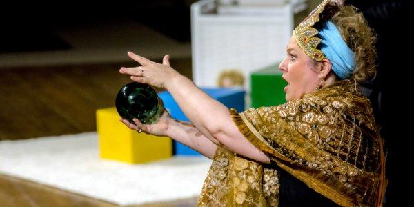 Giovanna Donadini nei panni di Despina, l'altra sera al Teatro Olimpico di Vicenza - Foto: Luigi De Frenza