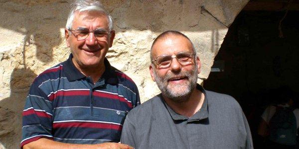 Padre Paolo dall'Oglio, a destra nella foto, con il parroco di San Vincenzo in Thiene don Piergiorgio Sandonà