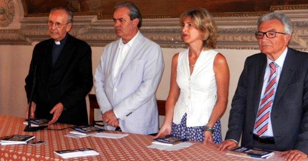 Da sinistra: mons. Giuseppe Dal Ferro, Achille Variati, Isabella Sala, Luciano Righi