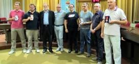I modellisti premiati, con il sindaco di Thiene, Giovanni Casarotto, e l'assessore Michelusi