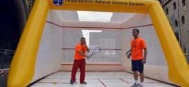 Il campo da squash gonfiabile disponibile nel centro di Thiene nei sabati di luglio