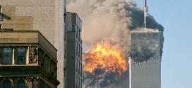 11 settembre 2001, il volo United Airlines 175 si schianta contro la Torre Sud - Foto: TheMachineStops (creativecommons.org/licenses/by-sa/2.0)