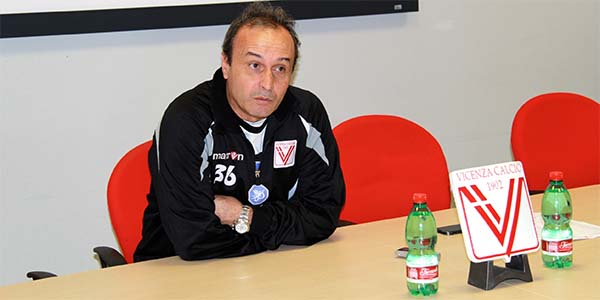 L'allenatore del Vicenza Pasquale Marino