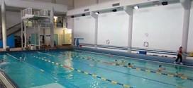 La piscina coperta di Valdagno, con la sua piattaforma per i tuffi