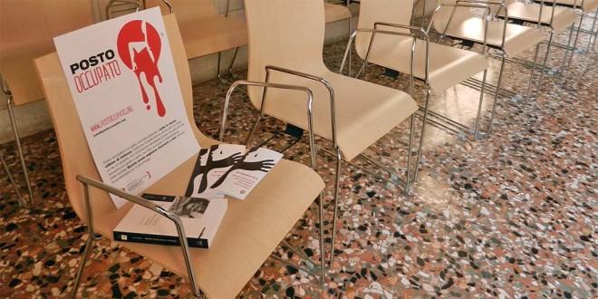 """Il """"Posto occupato"""" in sala Bernarda a Palazzo Trissino, dove oggi si tiene il Consiglio comunale di Vicenza"""