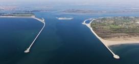 La bocca di porto di Lido con il cantiere del Mose - (Foto: Magistrato alle acque di Venezia - Consorzio Venezia Nuova - CC BY-SA 3.0)