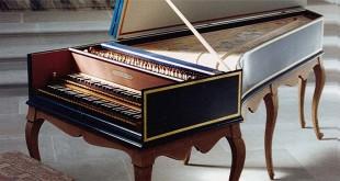 Un clavicembalo di stile francese, copia moderna di uno strumento costruito nel 1707 da Nicolas Dumont