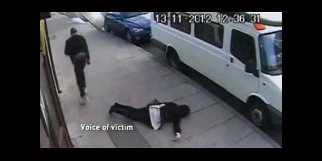Un episodio di knockout game, ai danni di una ragazza di 16 anni, avvenuto a Londra e ripreso da una telecamera di sorveglianza