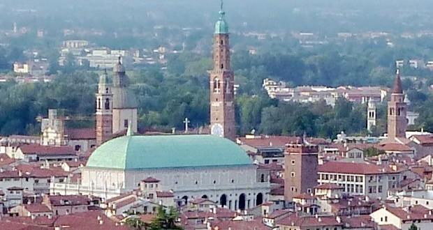 Veduta dall'alto della Basilica Palladiana di Vicenza