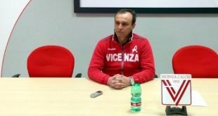 Il tecnico del Vicenza Pasquale Marino