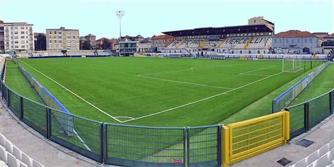 """Lo stadio """"Silvio PIola"""" di Vercelli"""