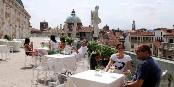 Vicenza, si affida il bar della terrazza in Basilica