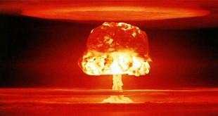 Bomba nucleare statunitense esplosa durante un test a Bikini