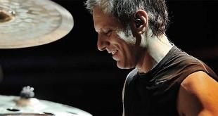 Il batterista Dave Weckl