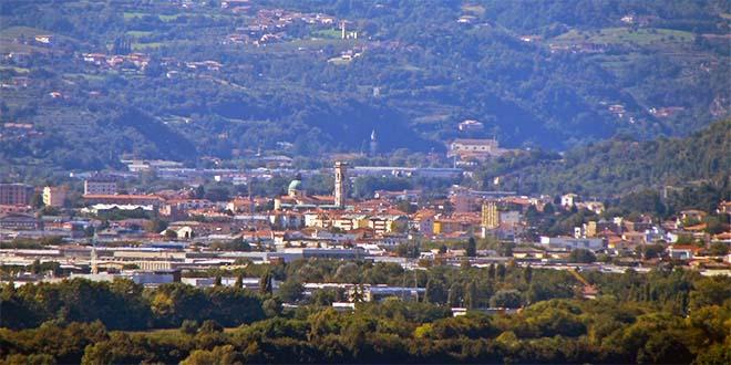 Vista su Arzignano dalla chiesa di S. Michele Arcangelo - Foto Pottercomuneo (CC 4.0)