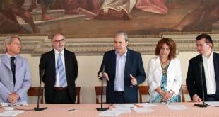 Da sinistra: Gianni Cristofari. Lucio Turra, Achille Variati, Franca Bonetto, Fabio Mantovani