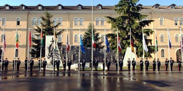 """Il piazzale della caserma """"Antonio Chinotto"""", a Vicenza, sede del Coespu (foto di repertorio)"""