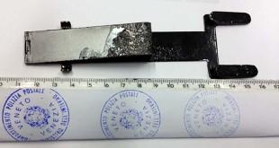 Un forchetta usata dai malviventi per i furti ai bancomat