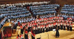 Le allieve della Coloma Convent Girls' School In un concerto di qualche anno fa. (Foto da: http://www.coloma.croydon.sch.uk)