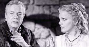 Katia Ricciarelli con Franco Zeffirelli, sul set della trasposizione cinematografica dell'Otello di Verdi. (Fonte foto: www.operanews.com)