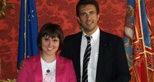 L'assessore regionale alla cultura, Cristiano Corazzari, con Maria Zanchetta