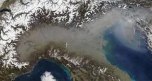 Inquinamento atmosferico in Val Padana in una foto satellitare della Nasa
