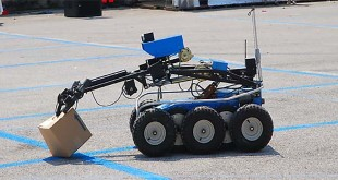 Un robot artificiere della Polizia di Stato - Foto: www.poliziadistato.it (C.C.)