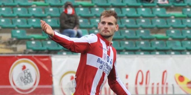 Non è bastato al Vicenza il bel gol di Raicevic per raddrizzare la partita contro il Bari