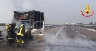 Il furgone andato a fuoco oggi sull'A31