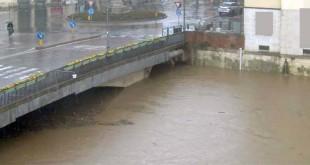 Il Bacchiglione, questa mattina, a Vicenza, a Ponte degli Angeli - Foto da www.bacchiglione.it