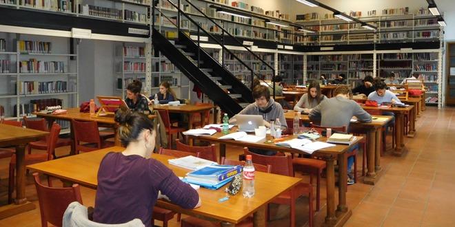 Una delle stanze della biblioteca Bertoliana