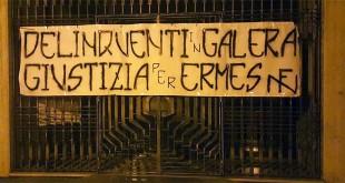 Lo striscione appeso da Forza Nuova all'ingresso del Municipio di Santorso