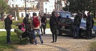 Controllo dei carabinieri a Campo Marzo, a Vicenza
