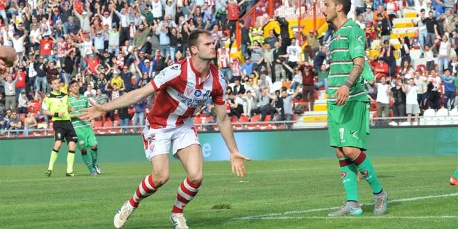 Raicevic, autore del secondo gol del Vicenza contro il Livorno