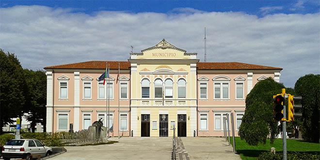 Il Municipio di Rosà - Foto di Tolioalessandro (CC BY-SA 3.0)