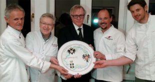 """Il """"piatto europeo"""", creazione artistica realizzata dai maestri ceramisti di Nove"""