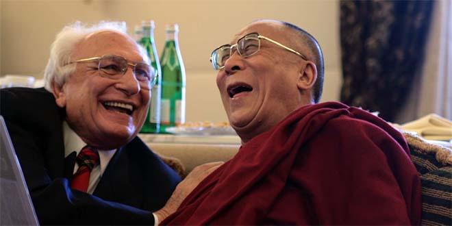 Marco Pannella con il Dalai Lama - Foto di Mihai Romanciuc (CC BY-SA 2.0)