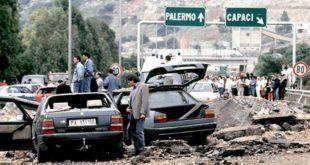 Un'immagine emblematica di cosa sia la mafia: la strage di Capaci, in cui perse la vita il giudice Falcone