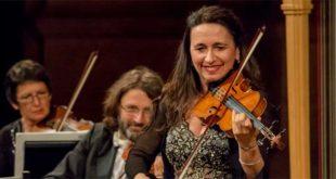 La violinista Sonig Tchakerian - (Foto Luigi De Frenza)