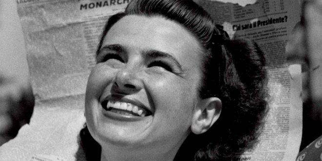"""Fu chiamata la """"Donna della Repubblica"""" la modella scelta dal fotografo Federico Patellani per questa celebre immagine"""