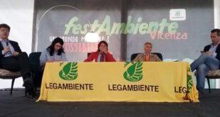Ruggero Casolin, Marina Fornasier, Adis Zatta, il moderatore e Stefano Ciafani
