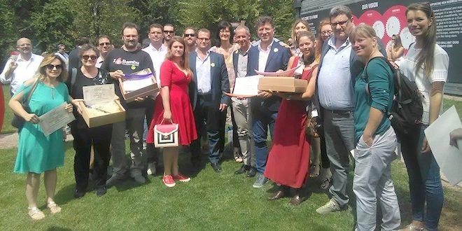 Foto di gruppo foto dei finalisti vicentini, con i vincitori